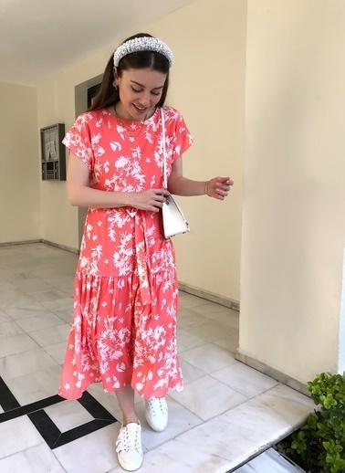 NGSTYLE Çiçek Desenli Volanlı Elbise Mercan